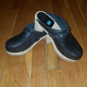 MIA  black clogs